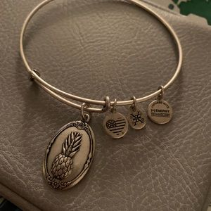 Alex and Ani pineapple 🍍 bracelet